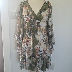 Betsey Johnson, green floral,.size 8
